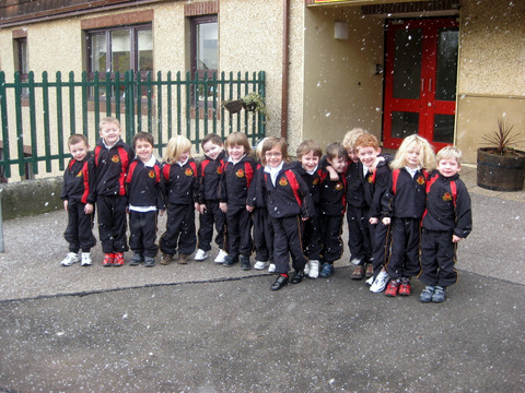 Junior Infants come out for a look at the snow